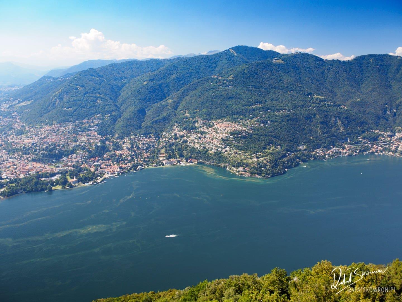 Widok z latarni A.Volta na Como
