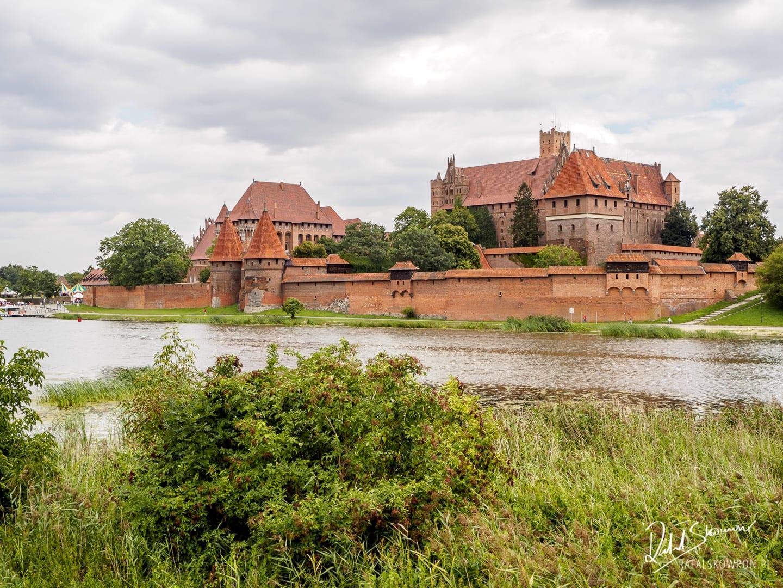 Zamek Malbork i rzeka Nogat