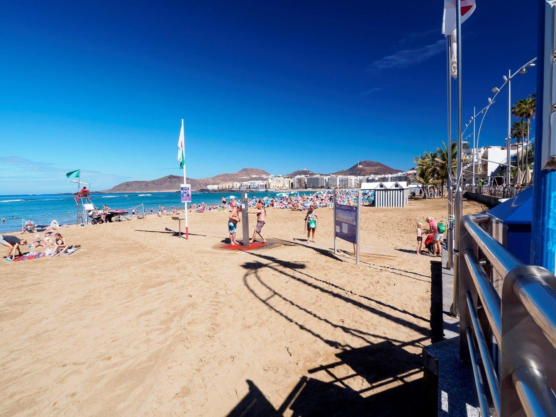 Playa de Las Canteras – główna plaża Las Palmas.