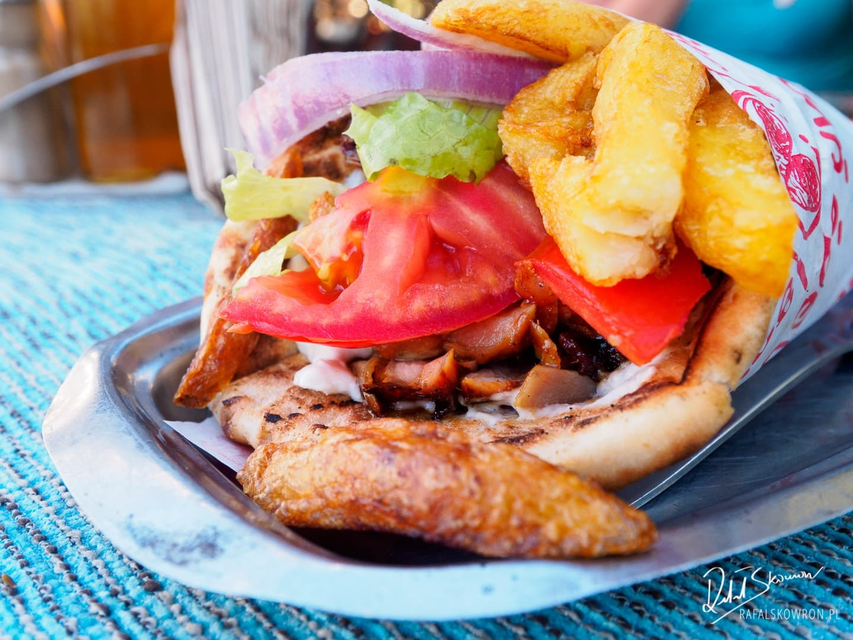 Pita gyros - kuchnia grecka ma swój fastfood.