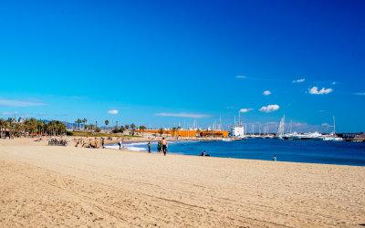 Spacerowe wybrzeże Barcelony – port Vell oraz La Barceloneta